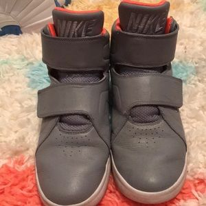 Nike high top leather shoes